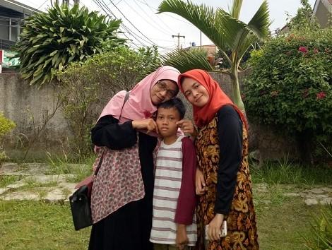 Tips Memilih Fashion Muslim Untuk Keluarga