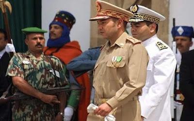 الجيش المغربي يردد نشيد ( انا حلفنا القسم ، يحيا الملك يحيا الوطن )
