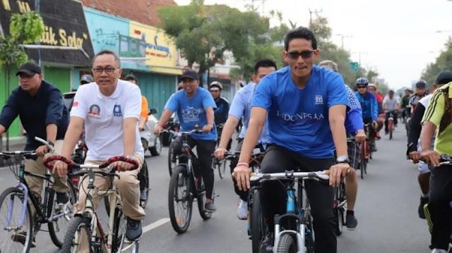 Gowes Bersama di Purwokerto, Sandiaga Dielu-elukan Warga Sepanjang Jalan