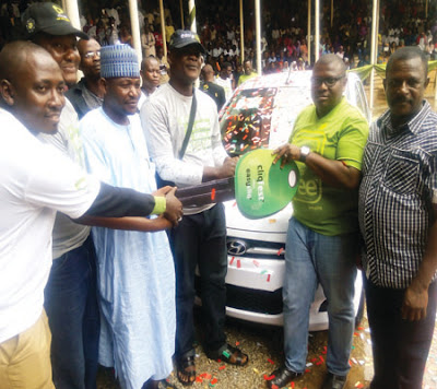 Student Wins Car at Etisalat Show