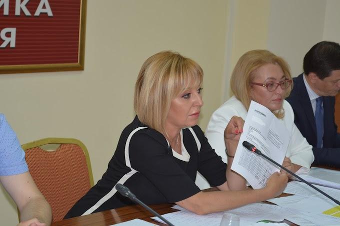 Омбудсманът Мая Манолова: Фирмите за бърз кредит се превръщат във фирми за бърз крах на гражданите