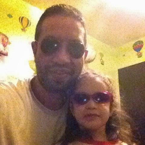 Hija y Papá con lentes de sol