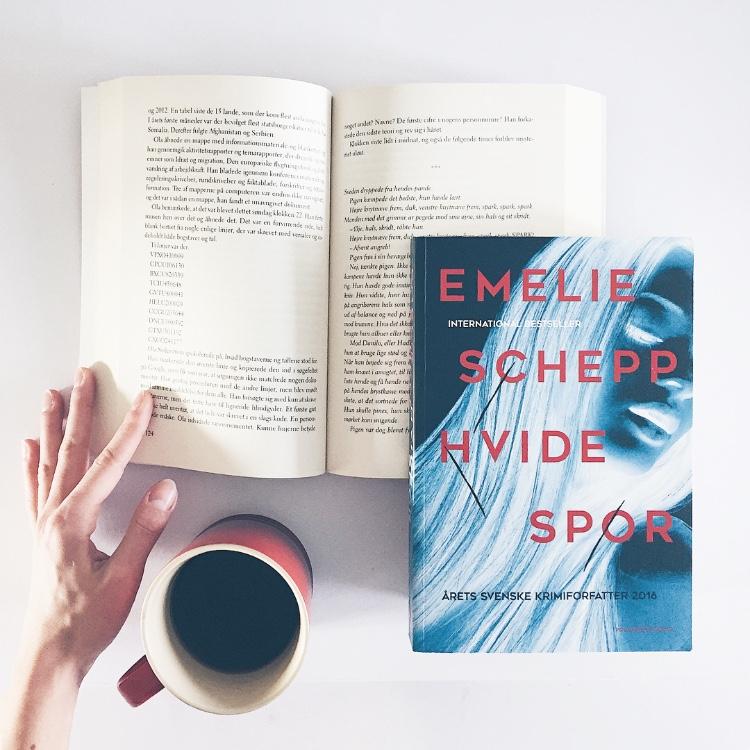 Book me up Scotty Boganmeldelse Hvide spor af Emelie Schepp