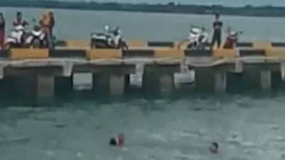 VIDEO: Detik-detik Anak di Bone Nyaris Tewas Tenggelam di Pelabuhan Bajoe
