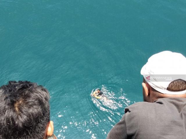 Dua Penumpang Nekat Melompat ke Laut Saat Penyebarangan Lembar Menuju Padang Bai! 1 Meninggal