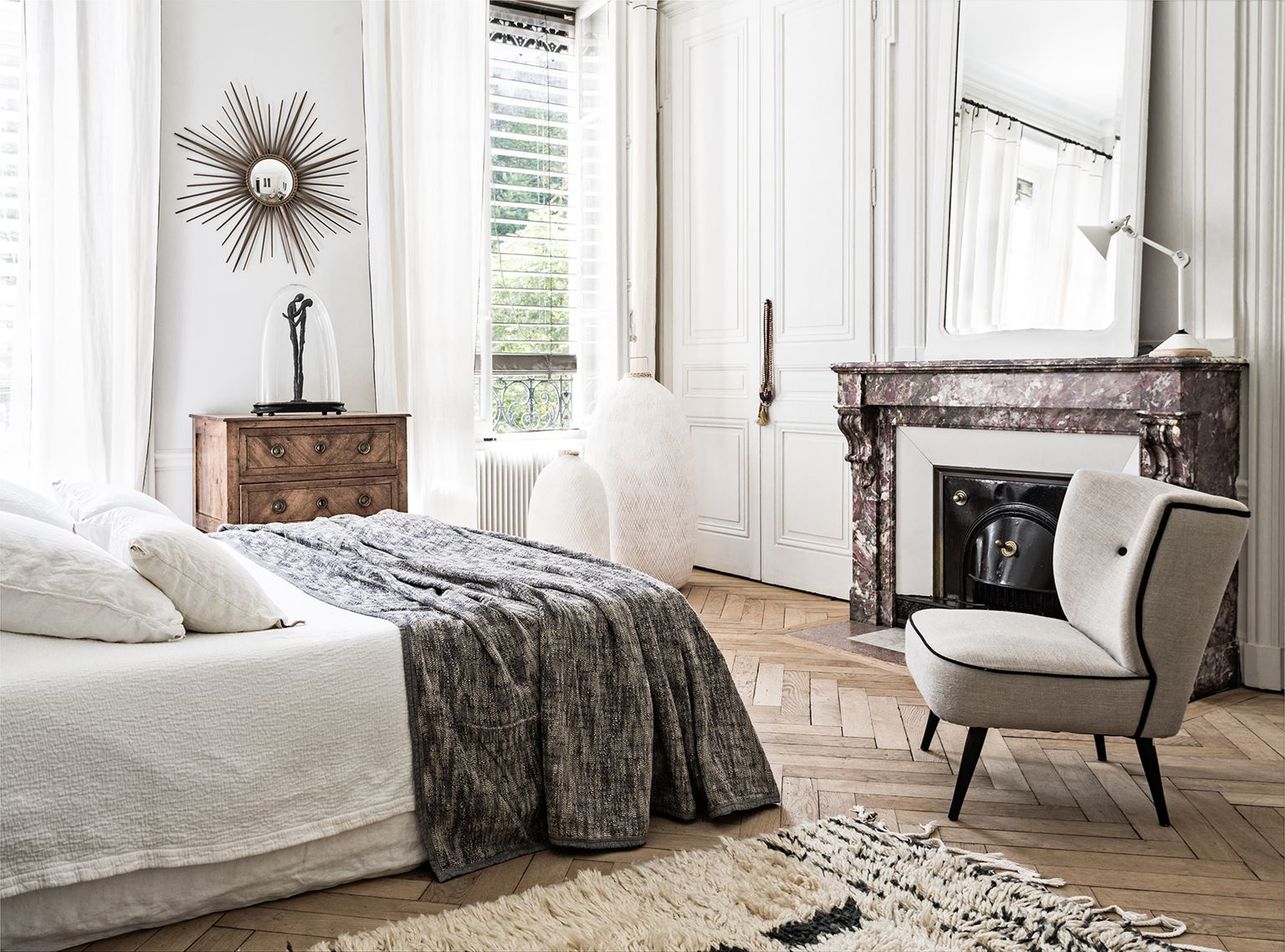 Decordemon monochrome french style city apartment for French luxury