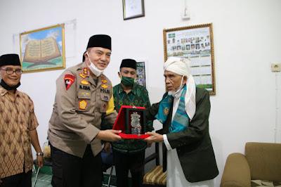 Kapolda NTB Silaturahmi ke Pondok Pesantren di Lombok Barat