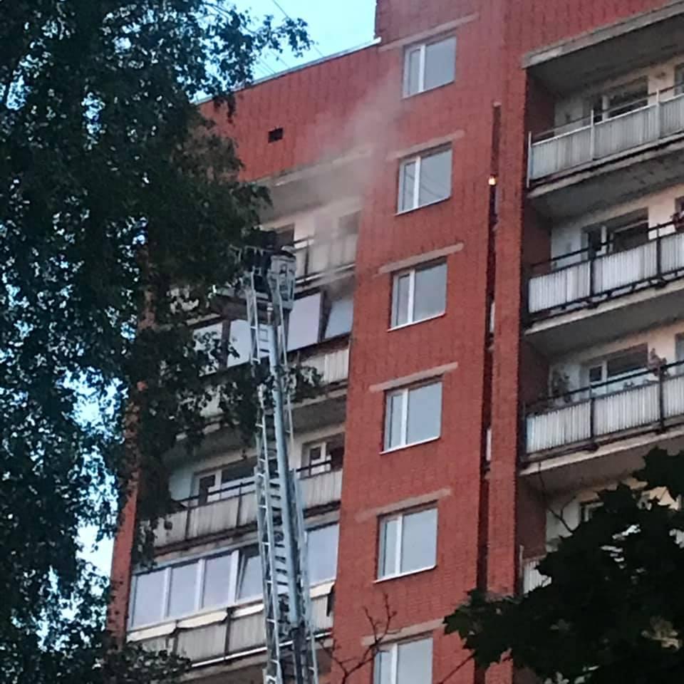 Juglā ugunsgrēkā gāja bojā cilvēks