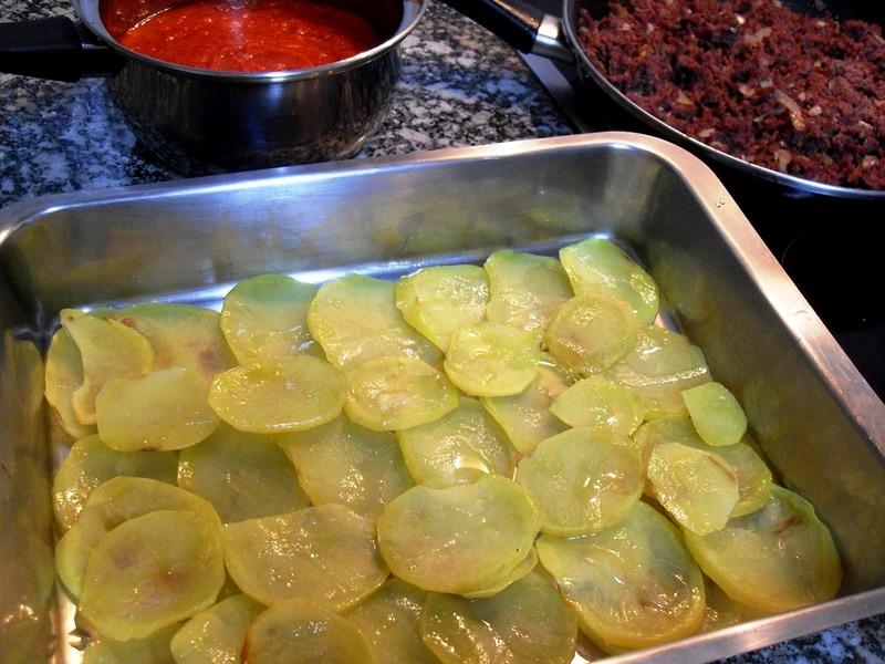 Base de patatas fritas para Moussaka.