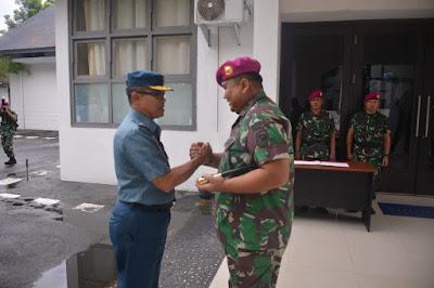 Tim  Mabesal Tinjau Pelaksanaan Bulan Trisila TNI AL Di Yonmarhanlan Bitung