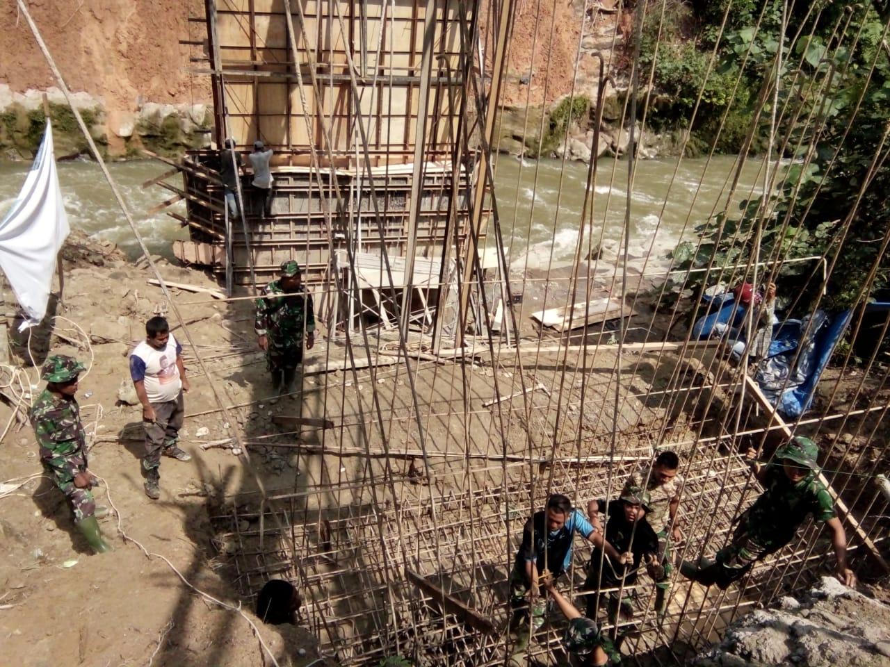 Satgas TMMD Kebut Pengecoran Jembatan Penghubung Desa Sipispis