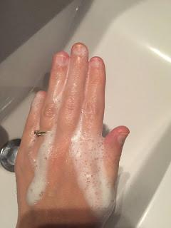 Mousse du shampoing solide tout doux de la box formule beauté de novembre 2019