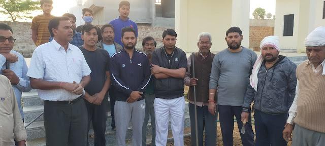 खटीक समाज नवलगढ़ के युवाओं के द्वारा  किया  गया श्रमदान ।