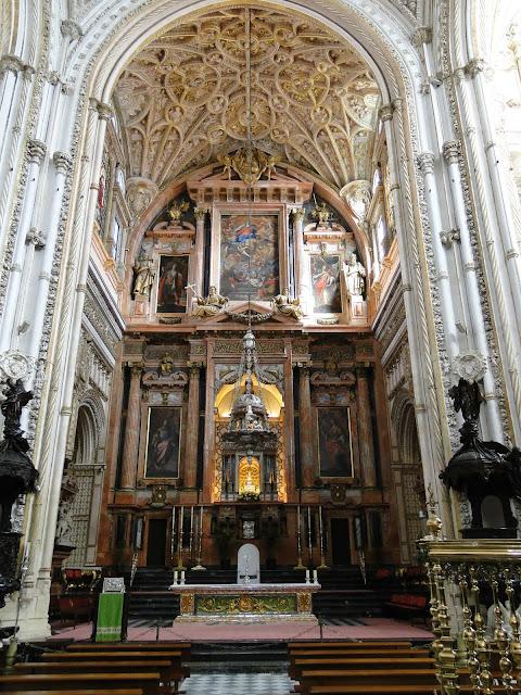 Capela gótica na Catedral de Córdoba, Espanha.