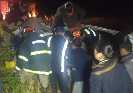 Dois ficam presos às ferragens em acidente entre Ponta Porã e Dourados