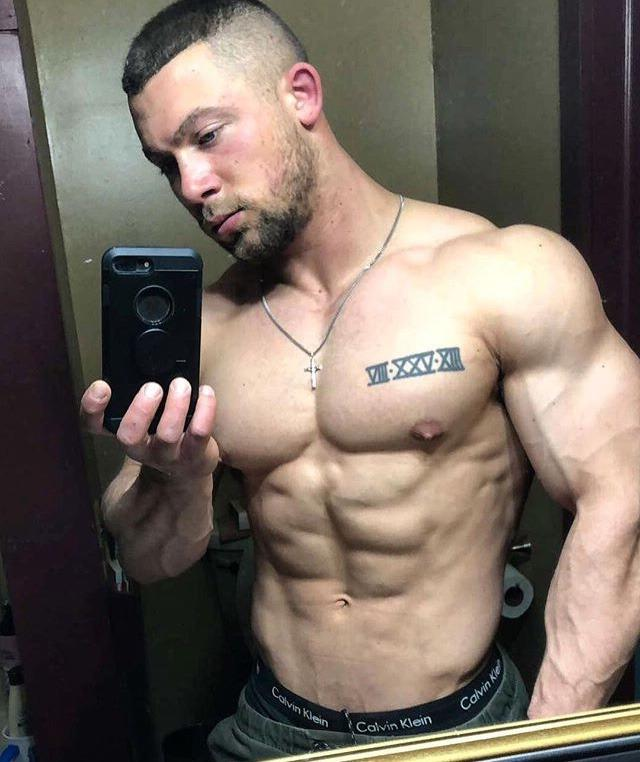 manly-ex-soldier-daddy-barechest-beefcake-muscle-tattoo-body