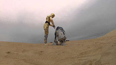 R2D2 and C3PO in the desert