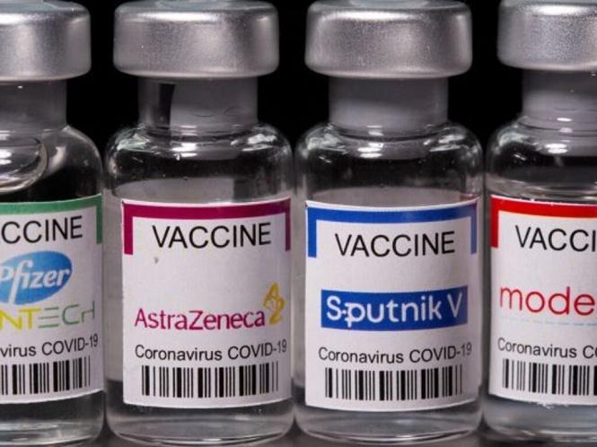 """Rusia informó que """"es seguro"""" combinar la vacuna Sputnik V con la de Astrazeneca"""
