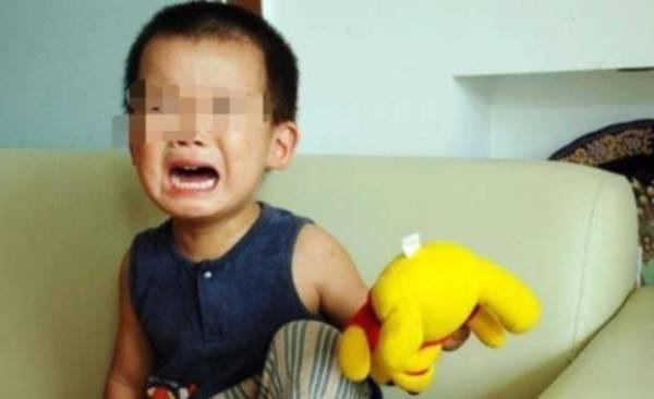 Bocah 3 Tahun ini Terus Menangis Tak Bisa Buang Air Kecil, Saat Dicek Ternyata Sesuatu Terjadi Pada Kemaluannya