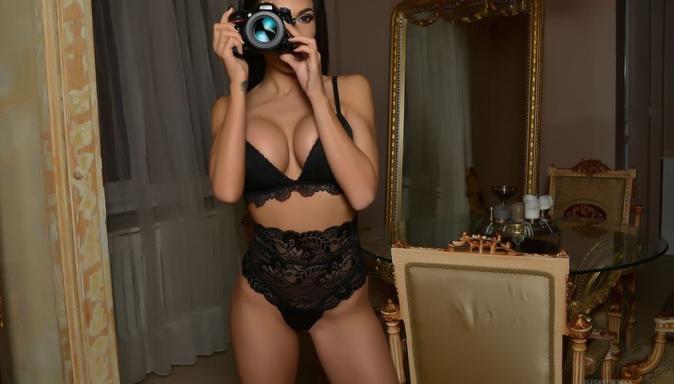 ElegantRebeka Model GlamourCams
