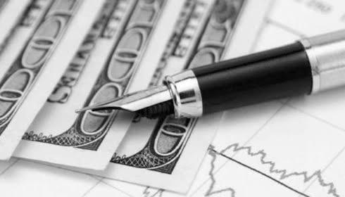 Bahkan Soal Sastra dan Esai, Uanglah Segalanya