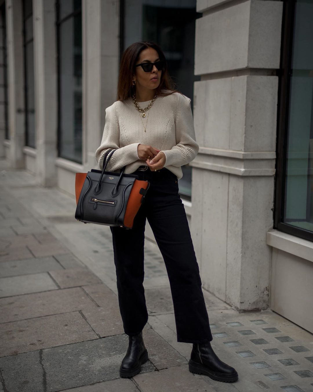 I Love This Way to Style Cropped Jeans for Fall