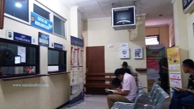 tempat perpanjang surat izin mengemudi sim di satpas polres metro jaya jakarta selatan nurul sufitri blogger