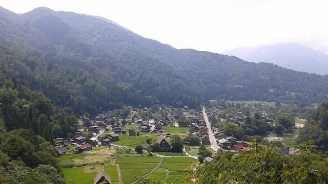 Vista completa de Shirakawa-go