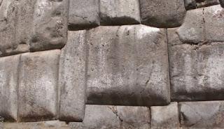 Tumpukan Batu Sacsayhuaman