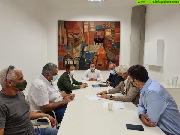 Reunión del Cabildo de La Palma, el Ayuntamiento de Tazacorte y la Demarcación de Costas de Tenerife