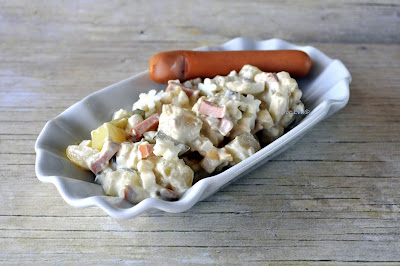 Kartoffelsalat mit Ei und Fleischwurst