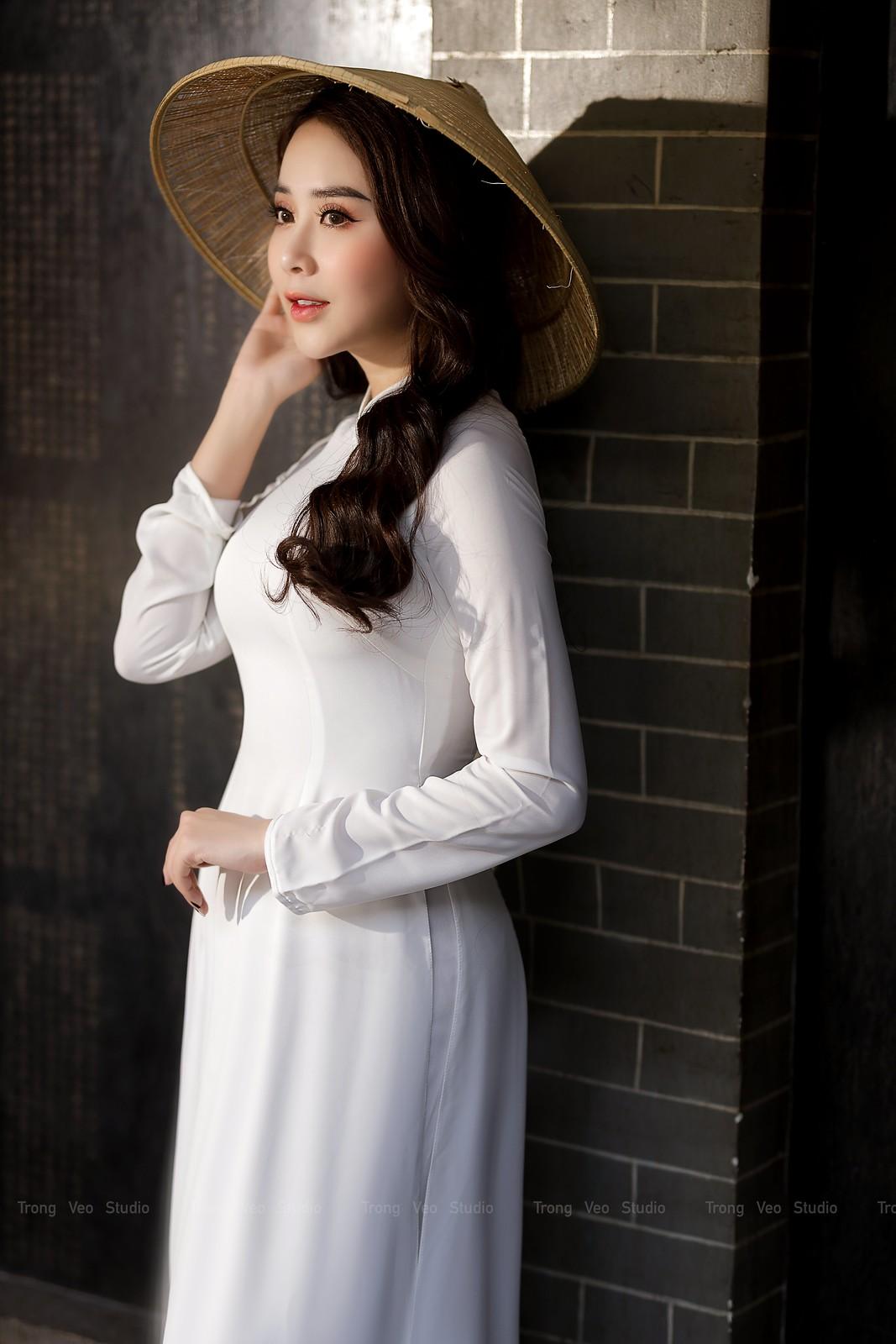 Ngắm hot girl Lục Anh xinh đẹp như hoa không sao tả xiết trong tà áo dài truyền thống - 5