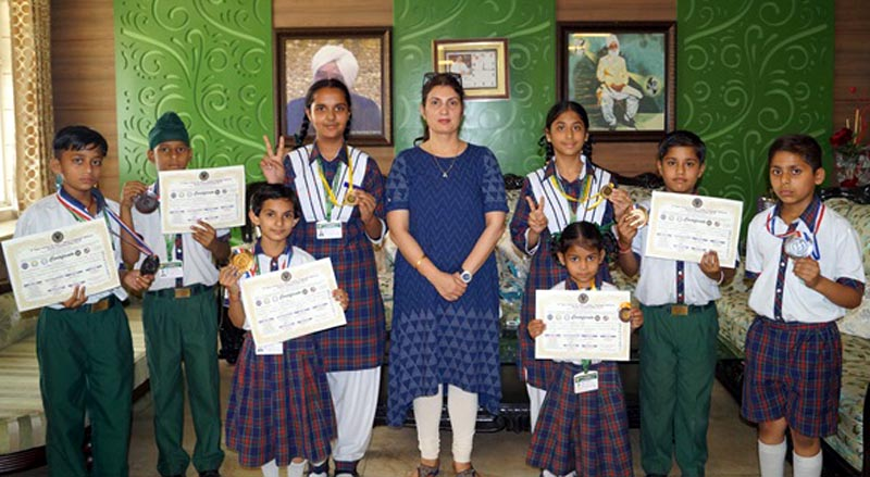 Winning students of Green Land Convent School