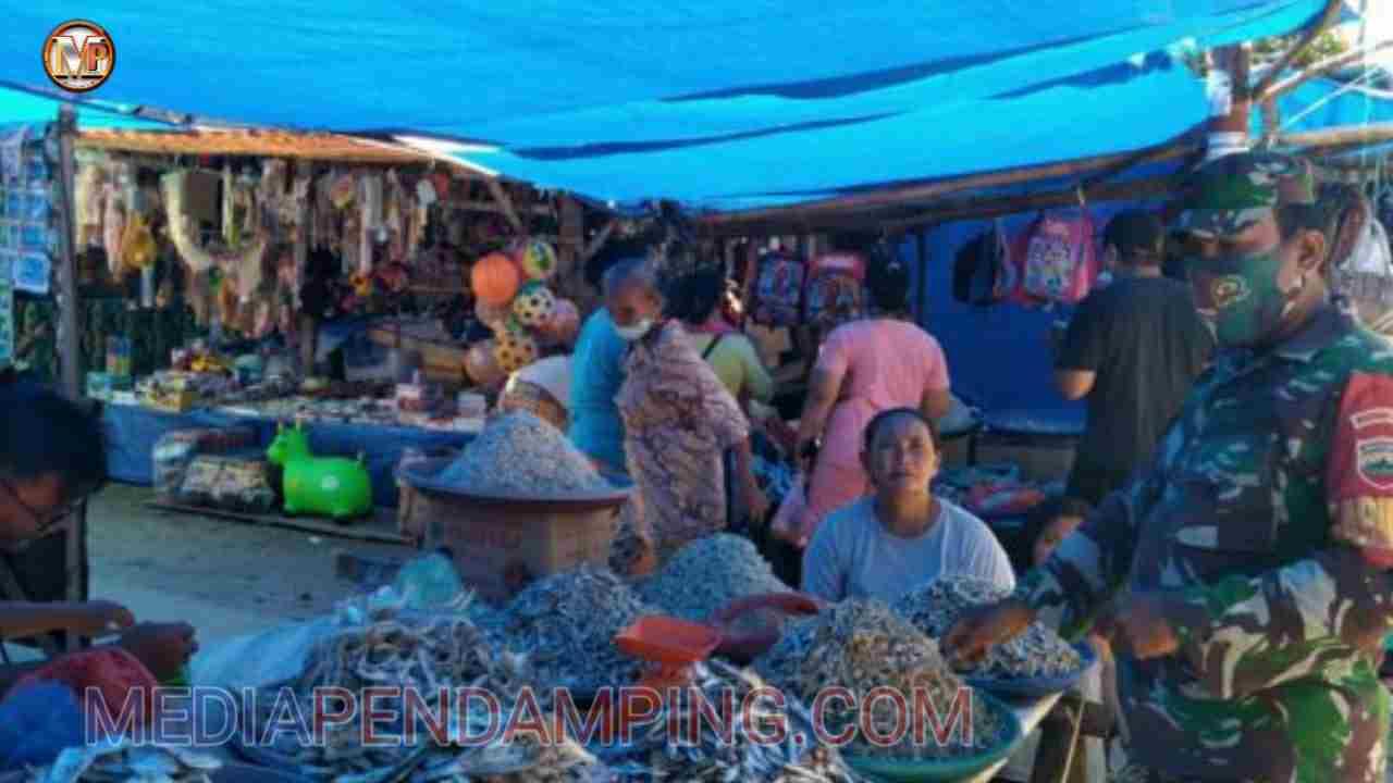 Koramil 01/Barus Jajaran Kodim 0211/TT Tinjau Harga Sembako Selama Pandemi Covid -19