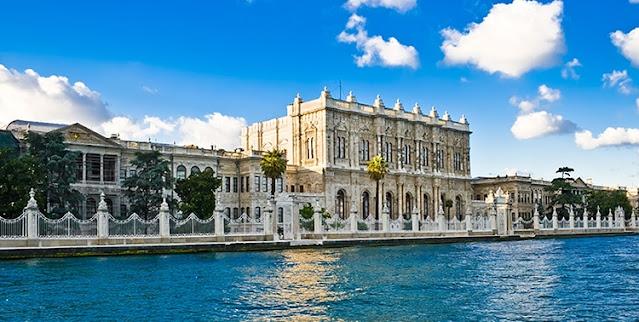 قصر دولمابهجه