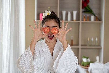 5 Cara membuat Masker Wajah dari Tomat