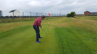 Putting at the MiniLinks in Lytham St Annes