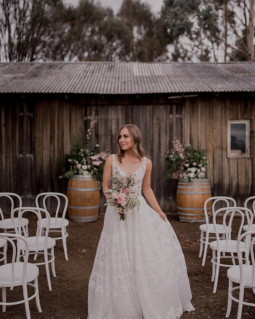 VINEYARD WEDDING VENUE WINERY OUTDOOR WEDDING STYLING