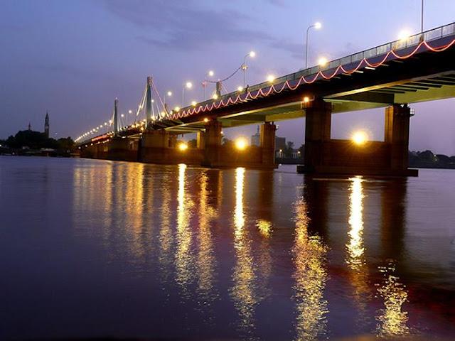 صورة لاحد الجسور النهرية - الخرطوم