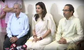 priyanka-chaturvedi-joins-shiv-sena