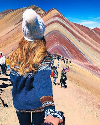 Pareja goals montaña de colores