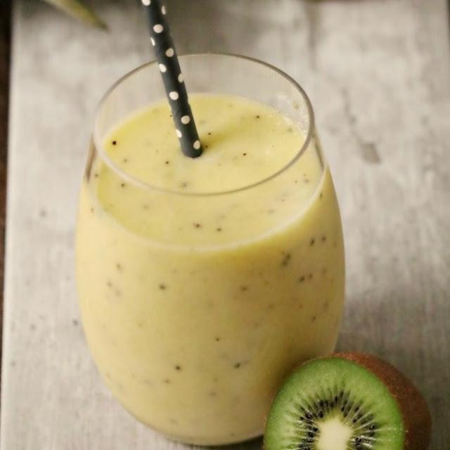 Pineapple Kiwi Smoothie #smoothie #drinks
