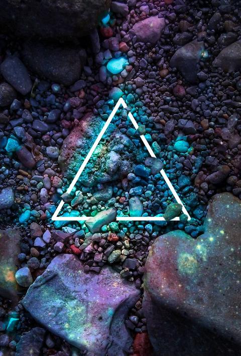 Tam giác dạ quang