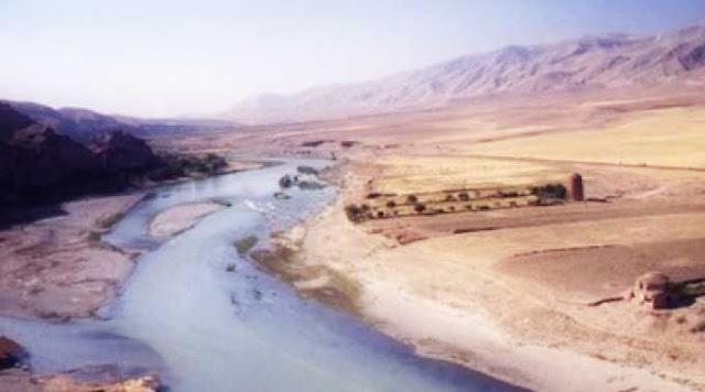 Foto Sungai Eufrat di Irak