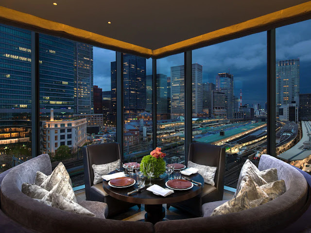 Visit Four Seasons Hotel Tokyo at Marunouchi, a luxury boutique hotel in Tokyo, Japan. Let us help plan your Tokyo vacation, getaway or business trip.