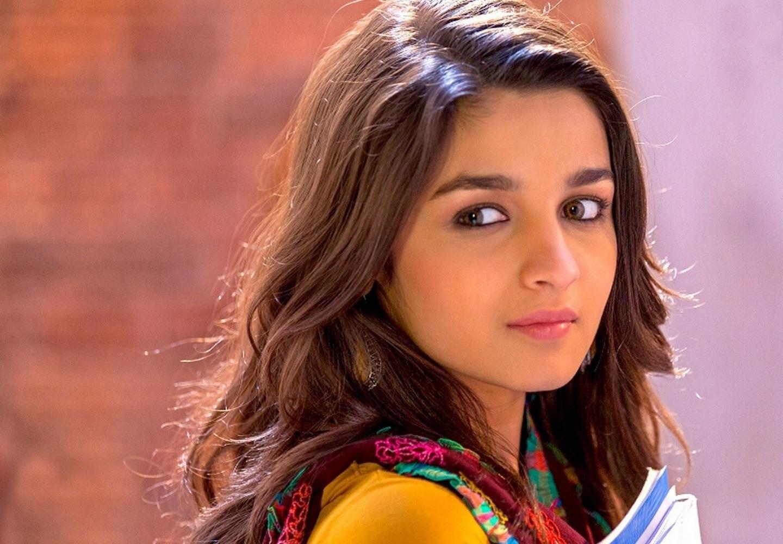 beautiful simple girl photos for facebook DP - Sari Info