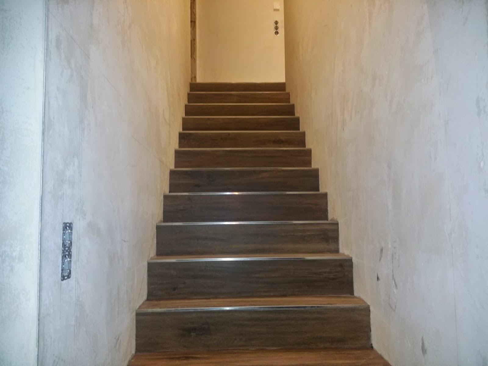 baublog wir bauen in neesbach vorbegehung und treppenfliesen. Black Bedroom Furniture Sets. Home Design Ideas