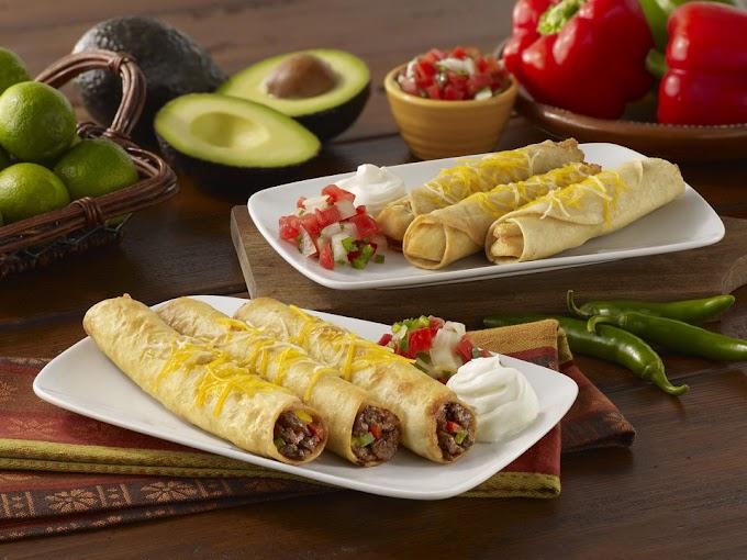 Flautas de pimenta e queijo comida mexicana