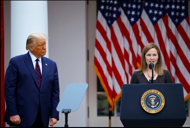 El presidente de EE.UU., Donald Trump, nominó el sábado a Amy Barrett para ocupar un puesto vacante en la Corte Suprema / REUTERS