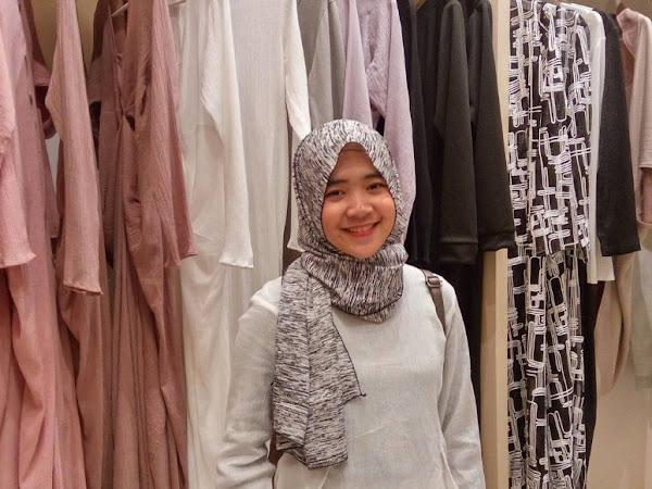 Tiffany Kenanga Hijab, Modest Moslem Fashion untuk yang Berjiwa Muda